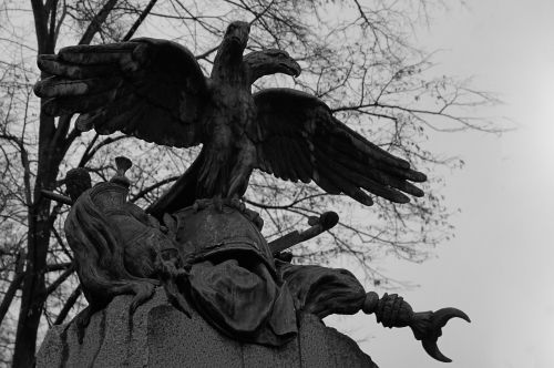 dead cemetery scary