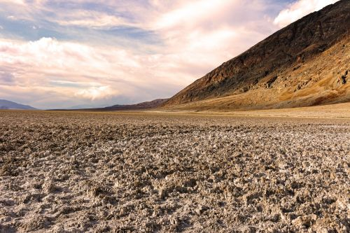 death valley badlands salt flats