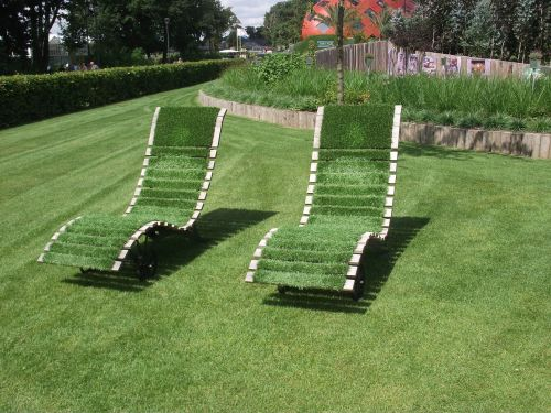 deck chair grass relax