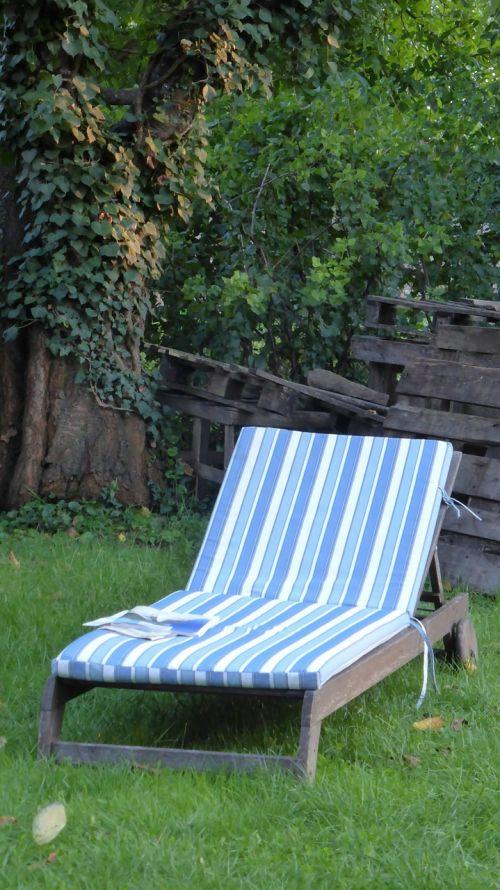 deck chair garden break