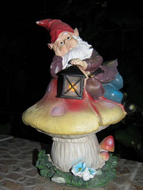 decoration garden gnome gnome
