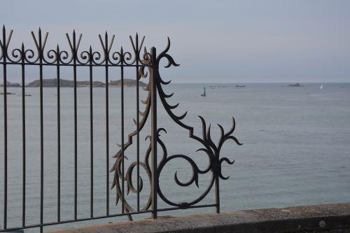 decoration wrought iron grid separation wrought iron coastline