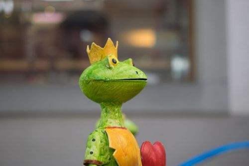decorative items frog garden