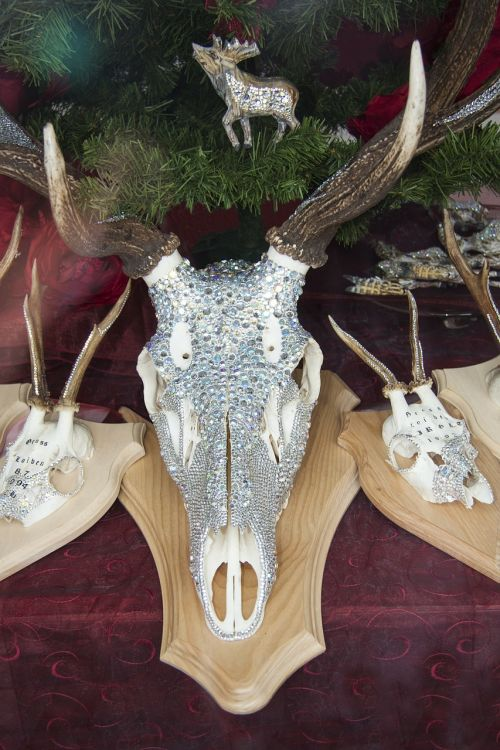 deer antler decorated swarovski beads