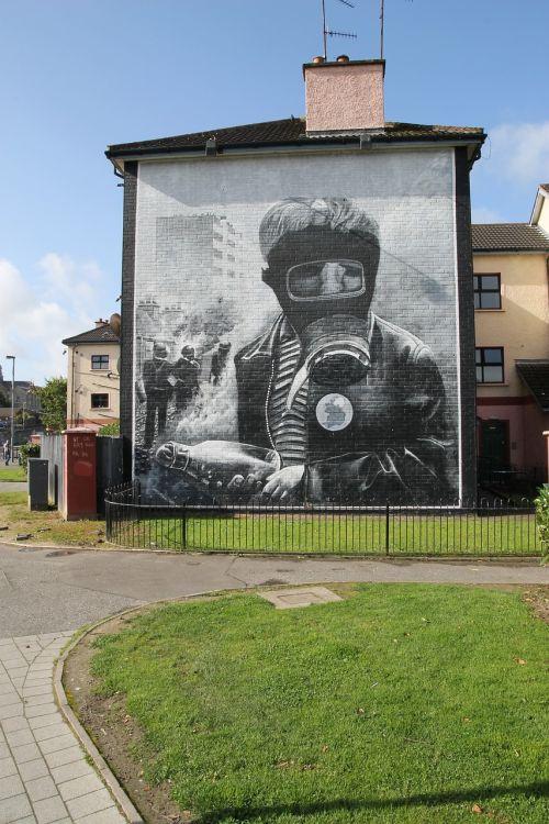derry murals ireland