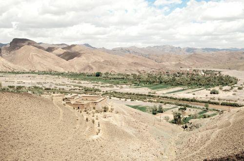 desert,mountains landscape,desert landscape,mountain landscape,outdoors,terrain,heat,western,landscape