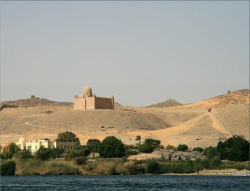 desert egypt mausoleum