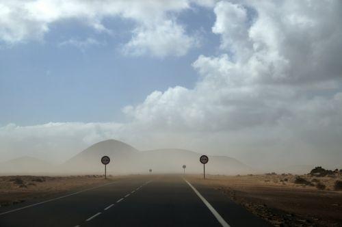 desert road sand