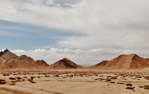 desert sand barren hill