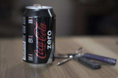 desk cola coke