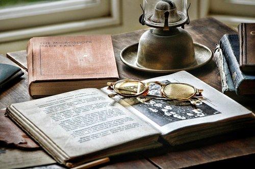 desk  historically  antique