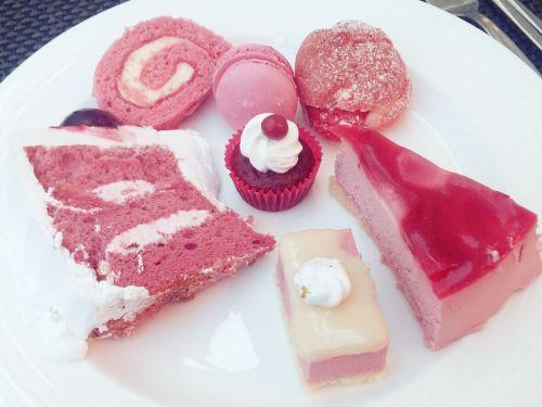 dessert pink delicious