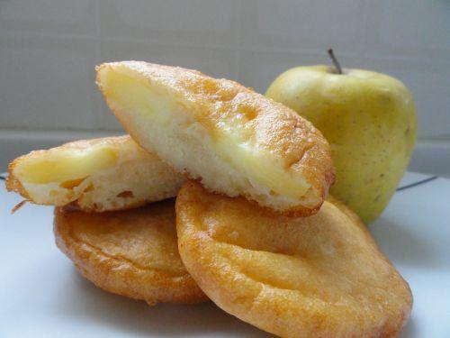 dessert donuts apples