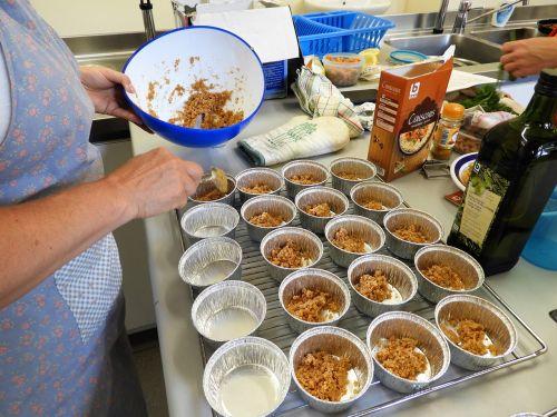 dessert prepare kitchen