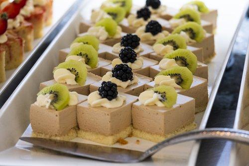 dessert  cake  chunks