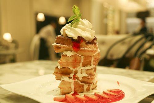 dessert creamy strawberry