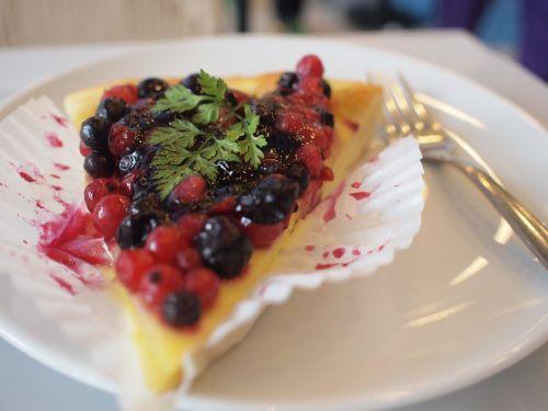 dessert tart raspberry