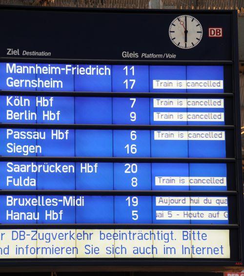 deutsche bahn railway station rail strike
