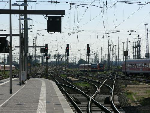 deutsche bahn gleise railway station