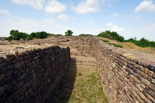 dholavira  archaeological site  excavation