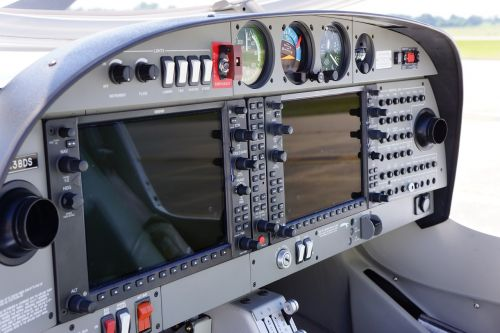 diamond cockpit airplane
