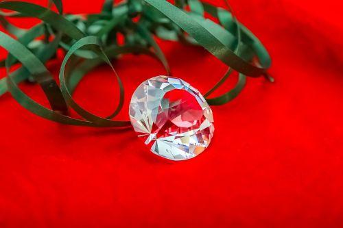 diamond jewelry red background
