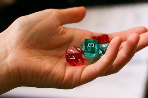 kauliukai,ranka,žaidimas,vaidmenų žaidimas,stalo žaidimas,žaisti,žaidėjas,laikyti tavo,mesti,mesti kauliukus,RPG,žaidimas vaidmenimis,Roll,valcavimo
