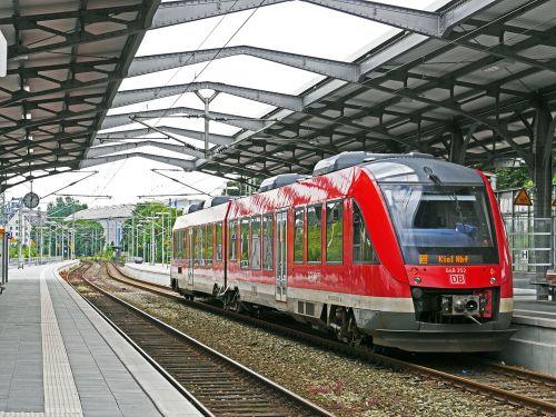 diesel railcar rendsburg hbf track climb