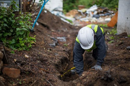 digging building construction