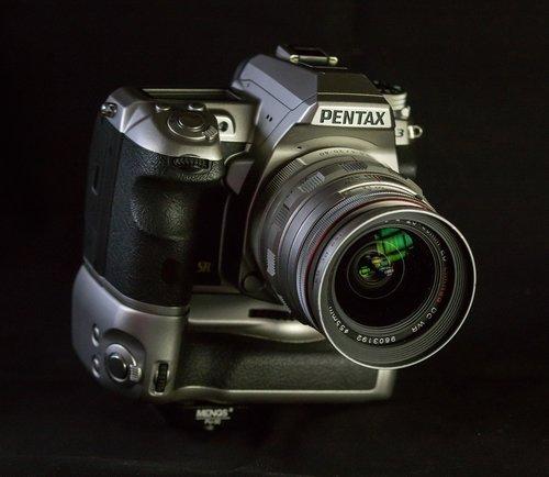 digital camera  slr camera  camera