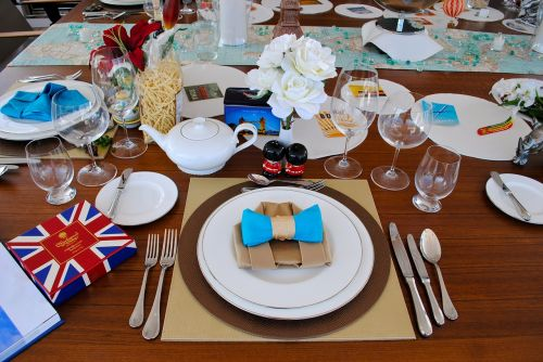 dine place setting britain