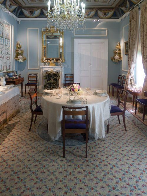 dining room romantic environment