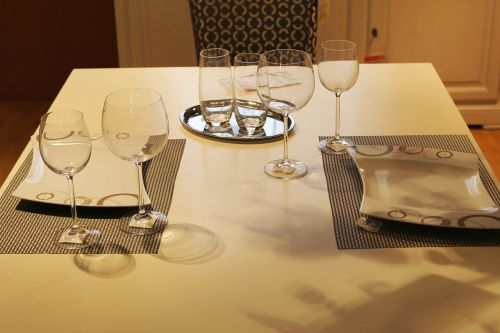 dining table cover glasses