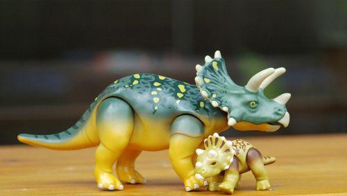 dino triceraptos play