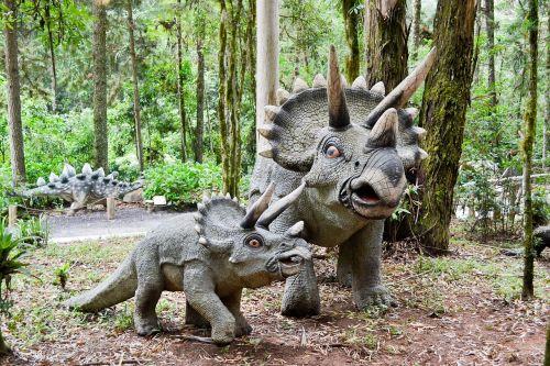 dinosaur robot jurassic