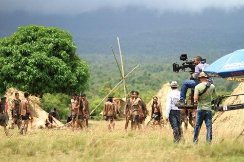 director movie scene cameraman