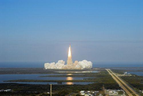 atradimas erdvėlaivis,paleisti,misija,astronautai,pakilimas,raketos,erdvėlaivis,dangus,Orbita,tyrinėjimas,erdvėlaivis,skrydis,pakilkite,NASA,kosmosas,mokslas,technologija
