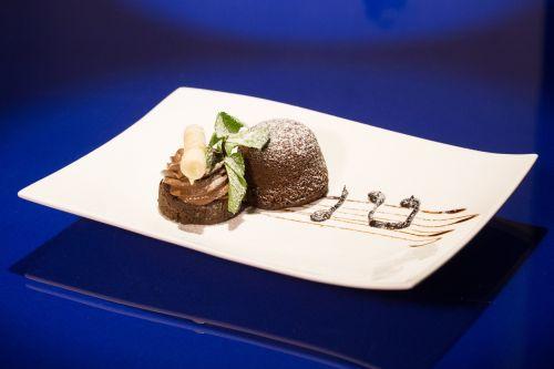 dish sweet chocolate