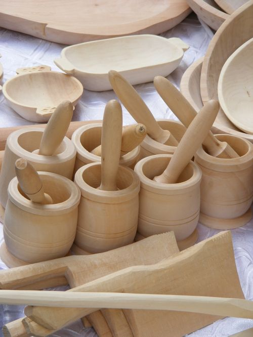 dishes wood romanian