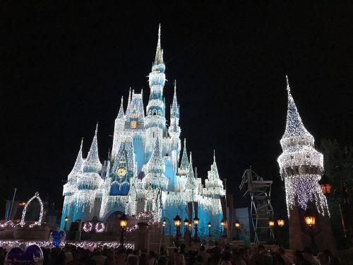 disneyland magic kingdom glowing castle