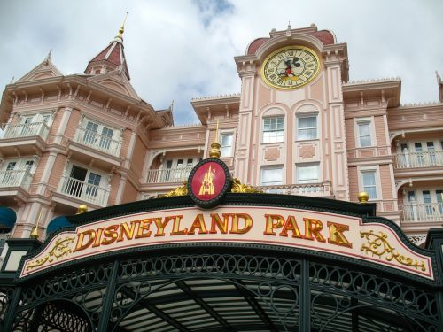 disneyland park amusement tourism
