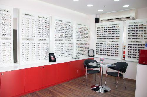 display eye optician