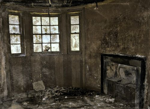 disused house peeping in times past