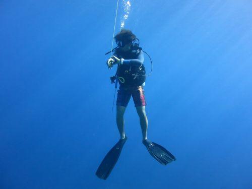 diver scuba blue