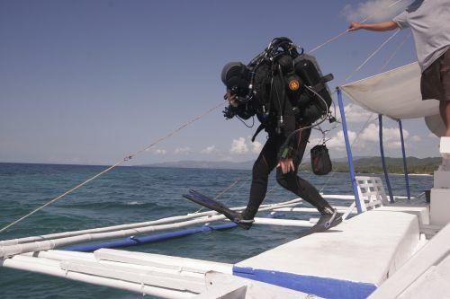 divers water diving