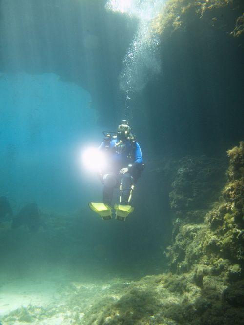 divers underwater malta