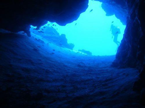 diving blue cave