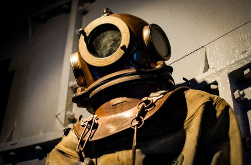diving suit old historic