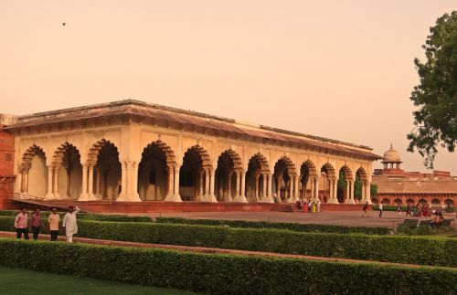 diwan-i-am agra fort hall of audience