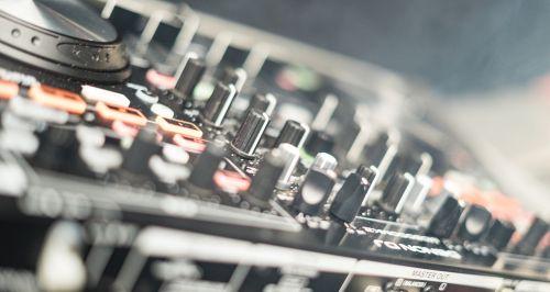 dj desk mixer